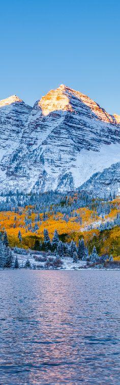 Maroon bells at sunrise, Aspen, Colorado