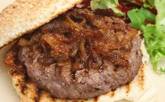 Her dem güzel olabilen hamburger için çok lezzetli önerilerimiz var. Mutfağınızı şehrin en iyi hamburgercisine çevirmeniz mümkün.
