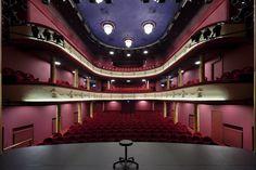De Kleine Komedie Theatre by denieuwegeneratie architecten