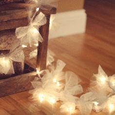(via Hayseed Homemakin: Firefly Christmas Lights)