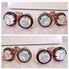 Para você que ja esta com miragens! Hahahah!! Brincos @suzannekalan de Opalas e diamantes negros e cognac, 10 x R$390,00 cada!! beatrizwerebe@gmail.com