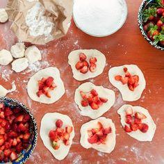 image Dumplings, Pudding, Bread, Desserts, Pizza, Food, Image, Tailgate Desserts, Deserts