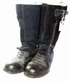 RAF Flying boots of World War 2  Flying Boots – 1936 pattern Stores Ref. 22c/80 1938 dated (www.Historicflyingclothing.com) –Following on from the pre-war 1930 and 1936 Pattern boots that were used in the earlier period of the Second World War, a further four patterns were developed during the conflict. Today Lewis Leather (www.lewisleathers.com) make …