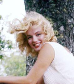 """"""" Marilyn Monroe in 1957 © Sam Shaw. """""""