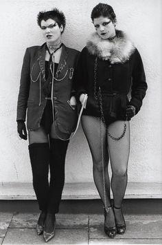 70s Punk, Punk Goth, 80s Goth, Diesel Punk, Psychobilly, 70s Fashion, Girl Fashion, Fashion Tips, Rock Fashion
