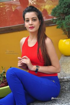 Diksha Panth - Diksha Panth Photos, Diksha Panth Stills
