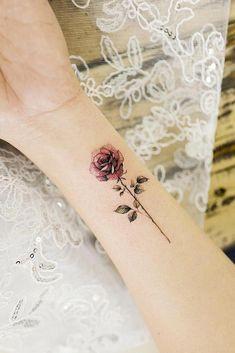 33 rose tattoos and their origin, symbolism and meaning # meaning # origin . - 33 rose tattoos and their origin, symbolism and meaning - Single Rose Tattoos, Rose Tattoos On Wrist, Small Flower Tattoos, Tatoo Rose, Pink Rose Tattoos, Tattoo Flowers, Butterfly Tattoos, Diy Tattoo, Tattoo Fonts