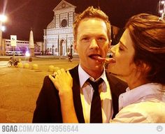 Neil Patrick Harris & Cobie Smulders goof around behind the scenes How I Met Your Mother, Barney Und Robin, Home Entertainment, Series Movies, Tv Series, Robin Scherbatsky, Ted Mosby, Yellow Umbrella, Neil Patrick Harris