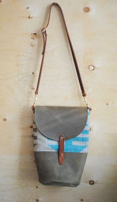 Bucket Bag Blue Grey Cotton and Grey Leather // the colour pop of blue is eye-catching #designinspiration