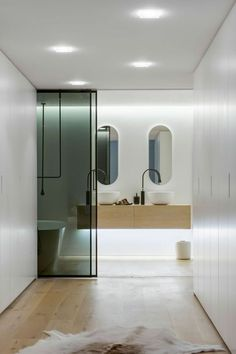 Slightly futuristic bathroom. Home | Interior decoration | Décor | Organize | Minimalist.