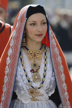 Abito tradizionale Sardegna. Muravera #TuscanyAgriturismoGiratola