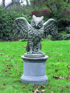 Owl statue in the Owlery Harry Potter Pinterest Owl The o