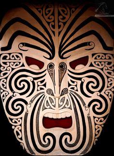 Maori Art & Symmetry - cool for embossed metal masks. Maori Face Tattoo, Ta Moko Tattoo, Maori Tattoos, Maori Symbols, Maori Patterns, Maori People, New Zealand Art, Maori Tattoo Designs, Nz Art
