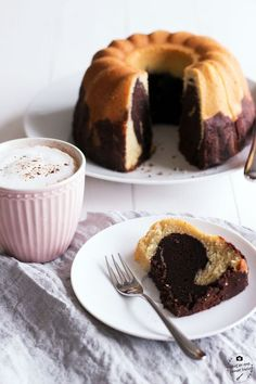 Saftiger Marmorkuchen Juicy marble cake with lots of cocoa, like grandma's! Pound Cake Recipes, Easy Cake Recipes, Sweet Recipes, Baking Recipes, Cookie Recipes, Dessert Recipes, Food Cakes, Cupcake Cakes, Marble Cake