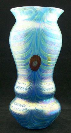 Glasvase im Jugendstil - Art Nouveau - mundgeblasen - handgearbeitet Cristal Ullmann Paris http://www.amazon.de/dp/B009YXE92E/ref=cm_sw_r_pi_dp_qf5uwb1H250NE