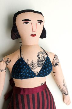 Etsy の Curvy Tattooed Lady doll by MimiKirchner