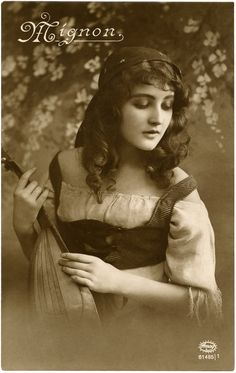 Vintage Gypsy Postcard Image - Stunning! - The Graphics Fairy