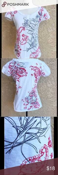 Style & Co white tee shirt top red black floral S Cute top from Macy's with cap sleeves and little buttons in the front. Accented with black and red, done in a vintage faded style.....flowers, paisley. Cute for the 4th of July 🇺🇸🇺🇸❤️❤️Approx measurements laying flat are.....  ▪️Chest, straight across under the arms-  coming soon ▪️Length-  🍃🍃🍃🍃🍃🍃🍃🍃🍃🍃🍃🍃 ▪️ Fabric-100% cotton  ▪️ Condition-Gently worn, no holes or stains   ❤️ Offers welcome ❤️ Style & Co Tops Tees - Short…