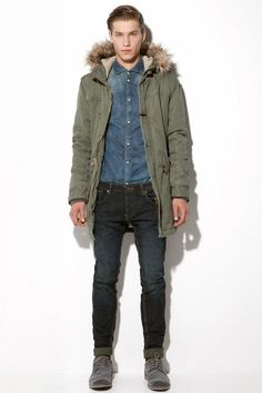 This fabulous parka is suitable for both casual and formal wear. Trench Coats, Mens Parka Coats, Men's Fashion, Winter Fashion, Fashion Outfits, Stylish Mens Outfits, Casual Outfits, Anorak, Types Of Jackets