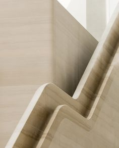 Stair Handrail Detail Gallery of Apple Regent Street / Foster + Partners - 4 Stair Handrail, Staircase Railings, Staircase Design, Staircases, Stairs Architecture, Architecture Details, Interior Architecture, Interior Design, Interior Stairs