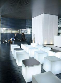 KUBO seats/tables, design by SLIDE Studio  #lightfurniture #slidedesign #milano #slide