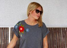 Stickereishirt: In diesem Beitrag zeige ich wie ich das Shirt Odette aus der LMV genäht und mit einem Muster mit Plattstich bestickt habe.