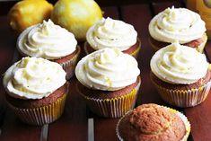 Zitronen-Cupcakes mit Lemon Curd-Füllung und Creamcheese-Frosting