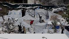 Τα χρήματα (μόνο) δεν λύνουν το προσφυγικό www.sta.cr/2G1H5 Greece, Snow, Outdoor, Outdoors, Outdoor Games, Outdoor Living, Grease, Bud, Let It Snow