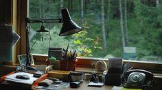デスクやベッドサイドの照明の「理想的な高さ」の法則 : ライフハッカー[日本版]