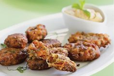 Ψευτοκεφτέδες Canapes, Greek Recipes, Fritters, Tandoori Chicken, Chicken Wings, Cauliflower, Tasty, Beef, Vegetables