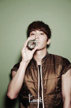 Super Junior's Choi Siwon 1st. Look Korea Magazine