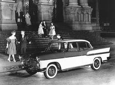 Simca Chambord e Teatro Municipal,   Rio de Janeiro, 1959. Foto: © Milan Alram
