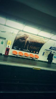 #unedernierefois #thehobbit En attendant le metro #Paris