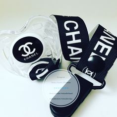 Baby Sucker, Baby Essentials, Girl Outfits, Headphones, Boy Dress, Chanel, Baby Things, Babys, Jr