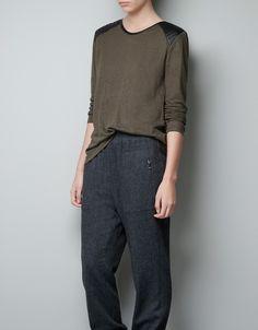 CAMISETA SHOULDER PADS - Camisetas - Mujer - ZARA España camiseta zara con hombreras de cuero negras talla s