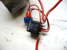 Instalación batería auxiliar con 2 relés separadores para consumos furgo camper