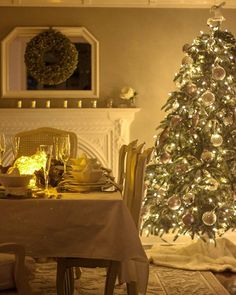 And this is what it looked like at night (see previous post for daytime). Fairy lights just make everything pretty Christmas Is Coming, Christmas Home, Christmas Wreaths, Christmas Centerpieces, Christmas Decorations, Table Decorations, Holiday Decor, Diy Fireplace, Fireplaces