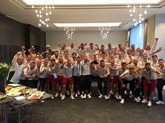 """Igeeeeeen! A legjobb 16 között! 👏🏻👌🏻 #HUN #euro2016 #csakegyutt  Yeeeeeees! In the best 16!"""