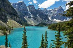 Beautiful Photo of the Moriane Lake Rockies in Canada