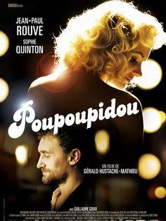 Poupoupidou est un film de Gérald Hustache-Mathieu avec Jean-Paul Rouve, Sophie Quinton. Synopsis : Il est parisien et l'auteur de polars à succès. Elle est l'effigie blonde du fromage Belle de Jura, la star de toute la Franche-Comté, persuadée qu'el