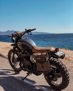 Triumph Scrambler, Scrambler Motorcycle, Bobber, Cafe Racing, Cafe Racer Bikes, Ford Pickup Trucks, Cars And Motorcycles, Motorbikes, Muscle Cars