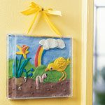 Display real size picture of Make a fun kids craft from recycled CD cases