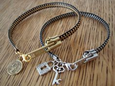 Zipper Bracelet. Super cute. I love the idea of making my own one of a kind jewelery.