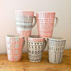.. DIY: painting mugs ..