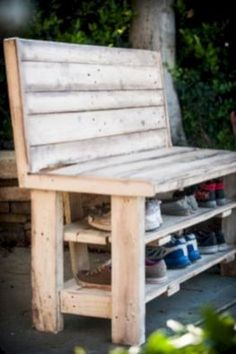 Impressive DIY Shoe Rack Ideas https://www.futuristarchitecture.com/26040-diy-shoe-rack.html