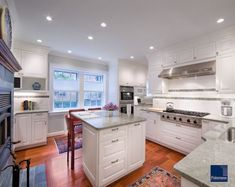 10 Small kitchen island design ideas: practical furniture for small spaces