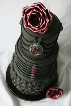 Gothic cake for Scarlet!