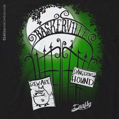"""BASKERVILLE Camiseta con diseño inspirado en la tercera novela de Arthur Conan Doyle que tiene como protagonista principal a Sherlock Holmes: """"El Sabueso de los Baskerville"""". www.diablocamisetas.com"""