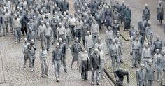 Gli zombie invadono Amburgo per ricordare ai potenti del G20 una cosa molto importante