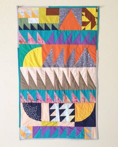 crazy quilting by hand Quilting Projects, Quilting Designs, Sewing Projects, Quilting Templates, Mini Quilts, Baby Quilts, Hand Quilting, Crazy Quilting, Quilts